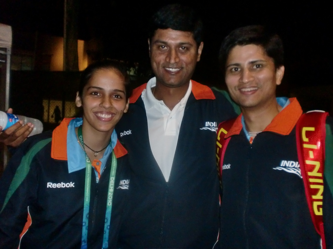 kiran_with_saina_nehwal_and_chetan_anand_during_commonwealth_games_2010.jpg